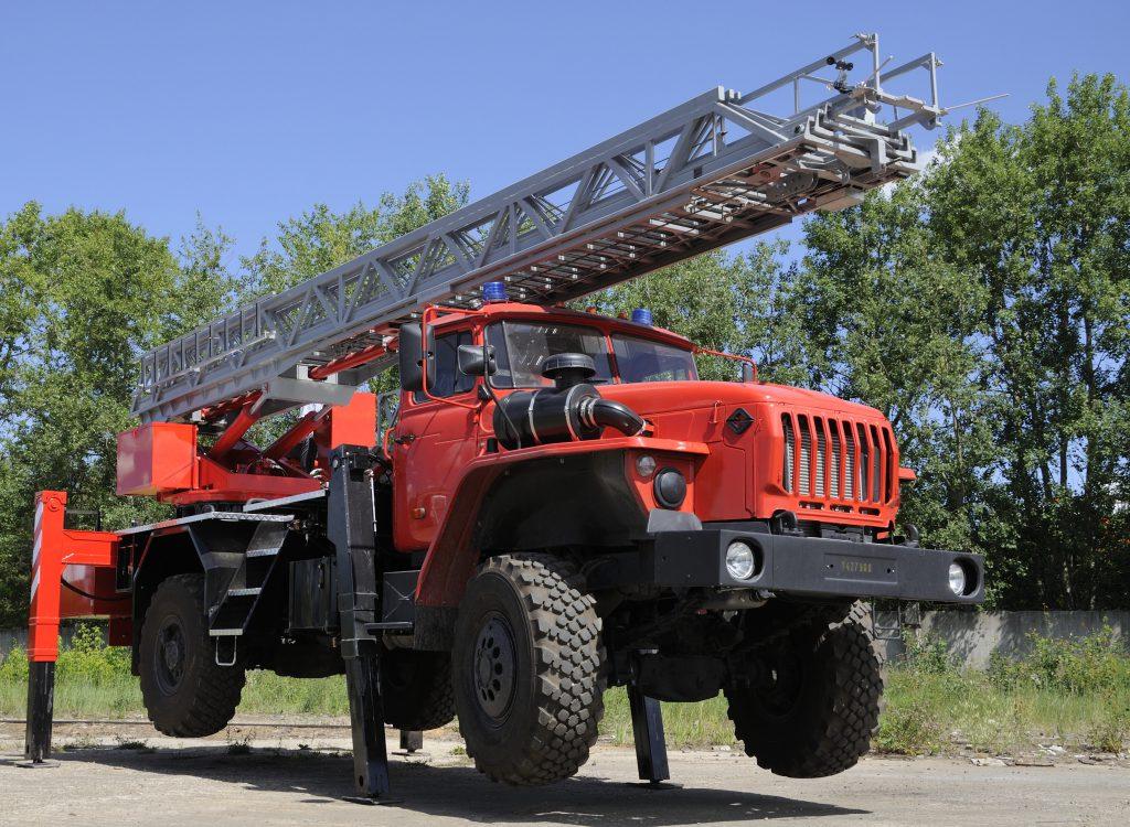 Автолестница пожарная ал-30 на шасси урал-43206 4х4