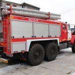 Кабина пожарной автоцистерны АЦ 5,5 – 70 (5557) цельнометаллическая, двухрядная, выполнена в едином пространстве с кабиной водителя