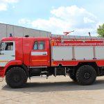 Пожарная автоцистерна на шасси КАМАЗ с колесной формулой 4*4 что обеспечивает передвижение по дорогам всех типов