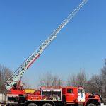 "Автоцистерна пожарная с лестницей АЦЛ 2,5-40-17 (4320) от компании ""ТорТехМаш"""