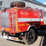 АЦ 1,6 -40 (33088)Л предназначена для доставки личного состава к месту вызова, тушения пожаров и проведения спасательных работ с помощью вывозимых на них огнетушащих веществ и пожарного оборудования, а также для подачи к месту пожара огнетушащих веществ от других источников